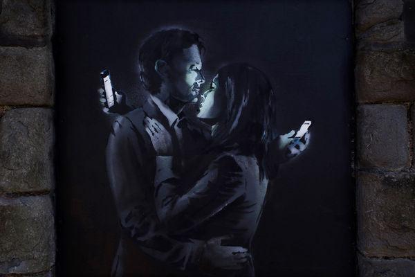 Smartphone Obsession Graffiti