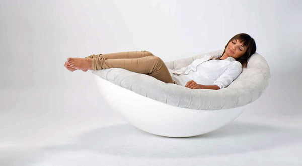 Sleek Swaying Daybeds