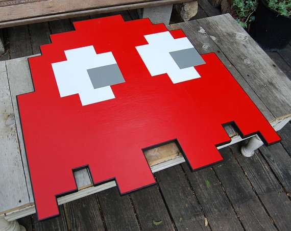 retro 80s arcade counters : pacman ghost coffee table