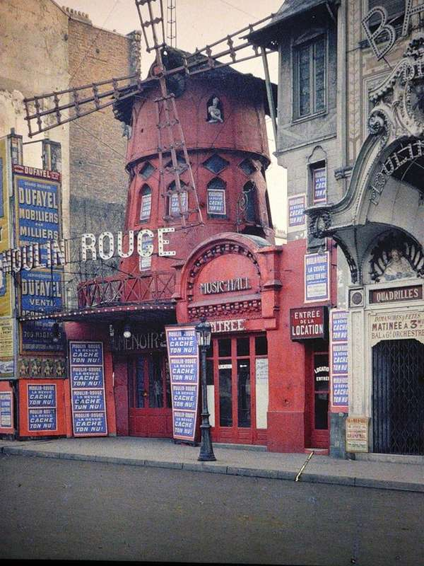 Paris in Color Photo