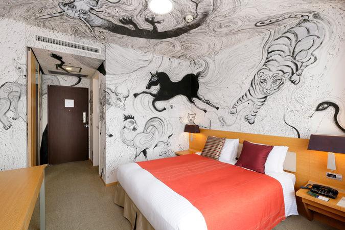 Artist-Designed Luxury Suites