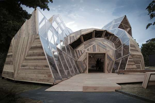 Curvaceously Shaped Structures