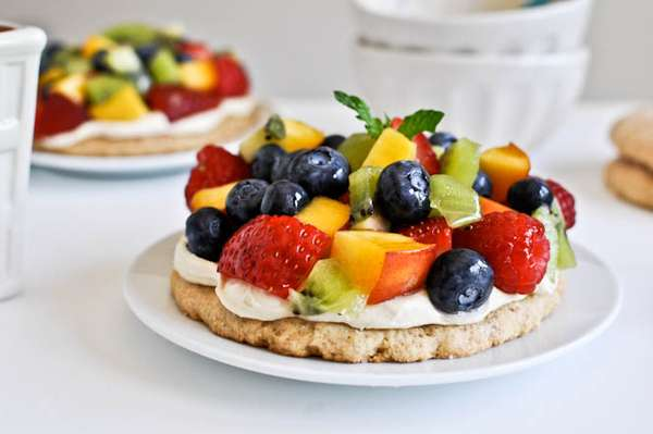 Personal Pan Fruit Pizza