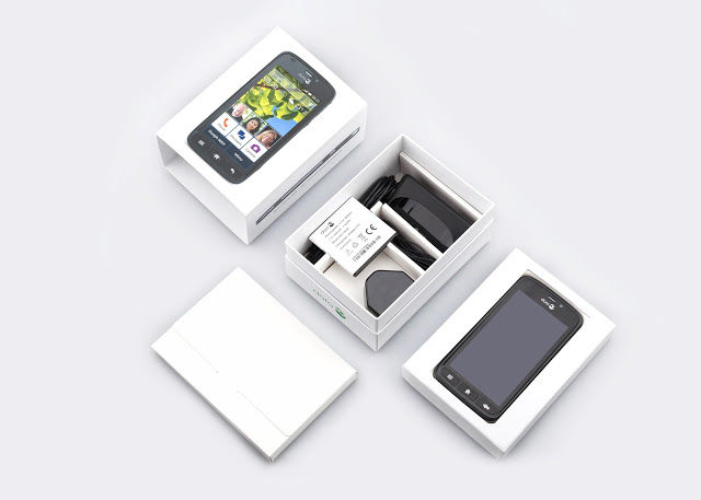 Senior Smartphone Packaging