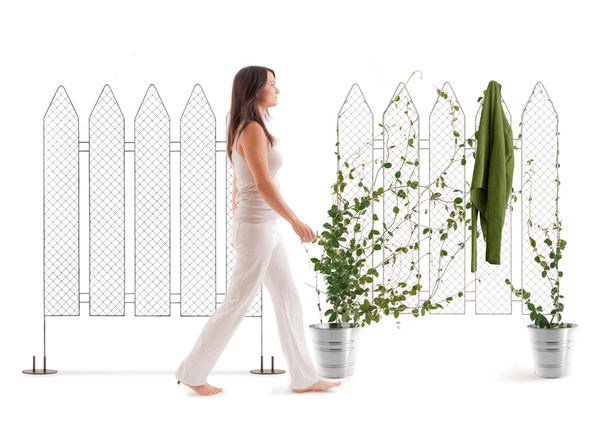 Picket Fence-Inspired Partitions