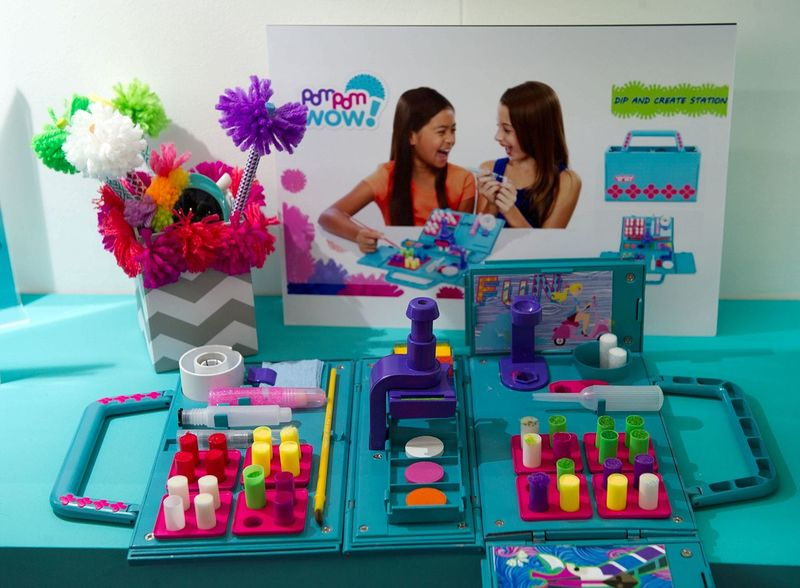 Pom-Pom Maker Toys