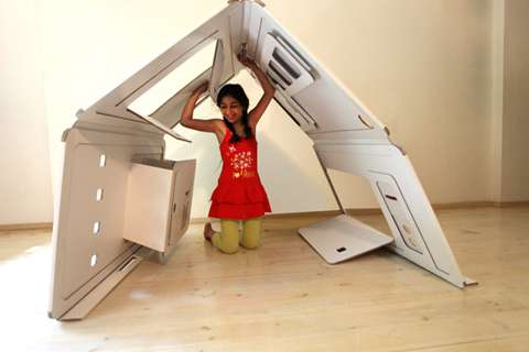 Flat-Packed Playspaces