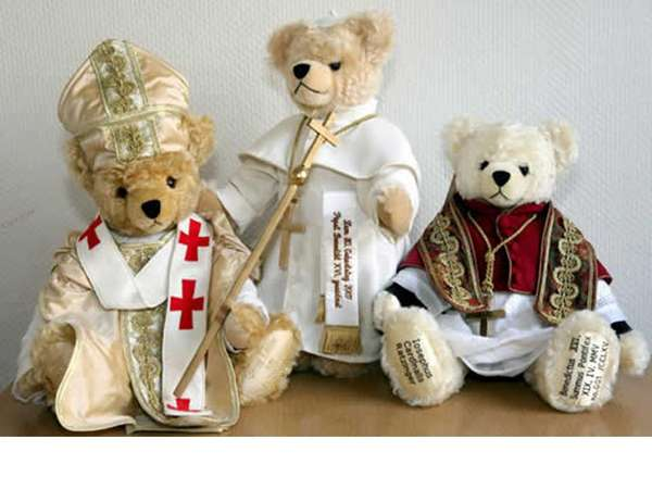 Pope Fashion For Teddy Bears