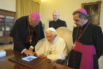 Pope Joins Twitter