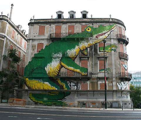 Colossal Street Art
