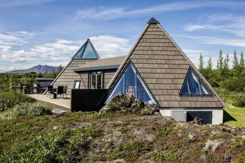 Pyramid-Shaped Vacation Homes