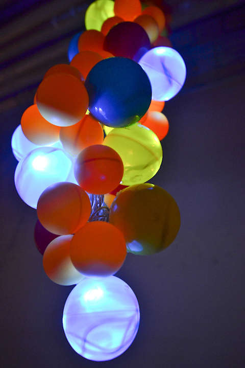Illuminating Balloon Installations