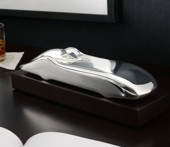 Sleek Office Space Accessories