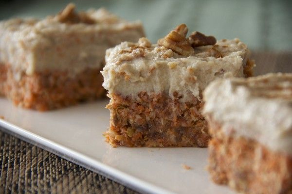 Raw Carrot Cakes