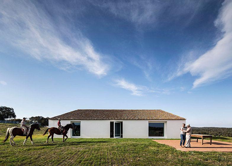 Rejuvenated Desert Farmhouses