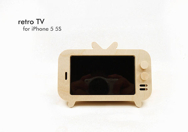 Telly-Inspired Smartphone Holders