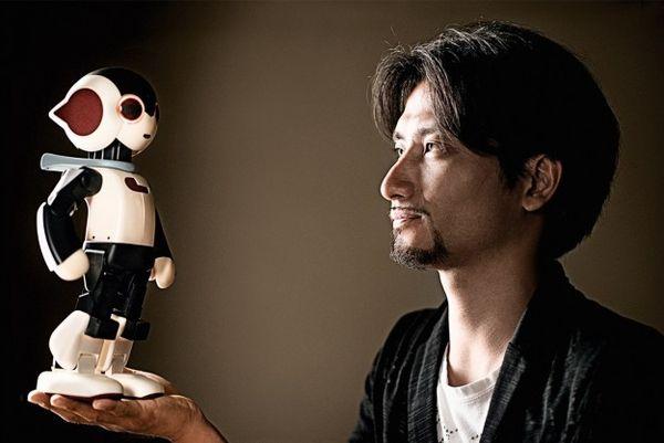 Robot-Assembling Magazine Branding