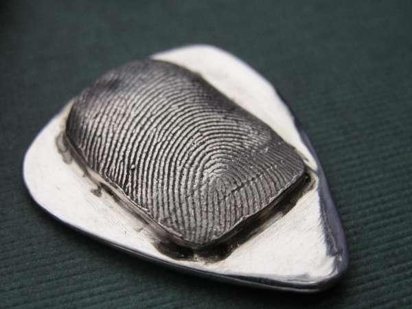 Rock My World handcasts fingerprint guitar picks