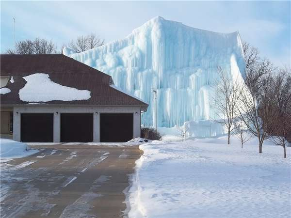 Colossal Ice Castles
