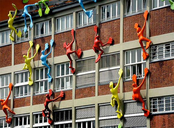 Skyscraper-Climbing Sculptures
