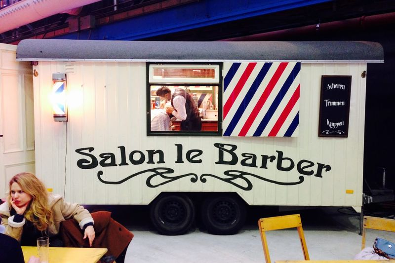 Mobile barber shops salon le barber