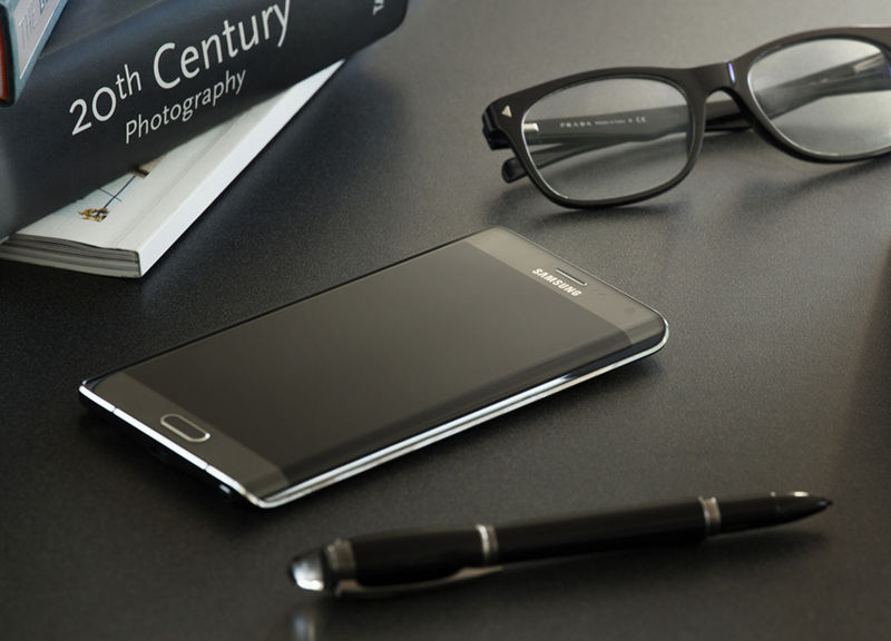 Curved Display Smartphones
