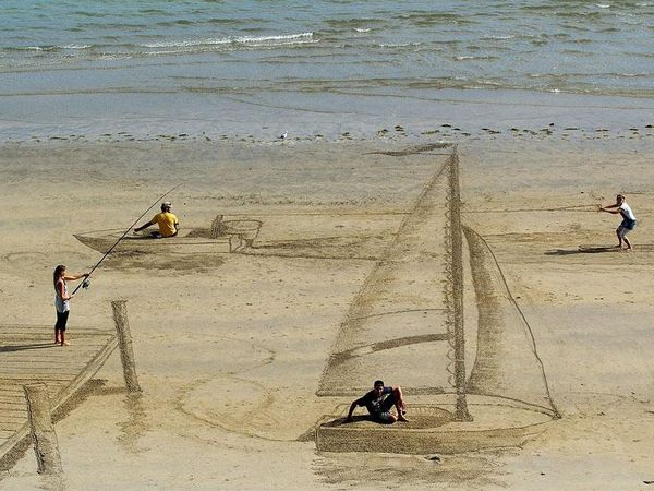 Optical Illusion Sand Art