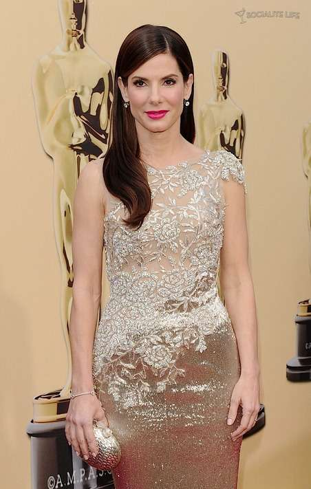 sandra bullock red carpet gown