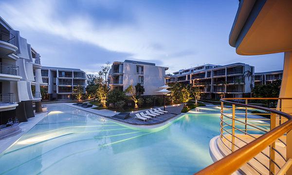 Ocean-Mimicking Resorts