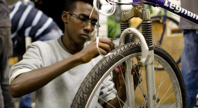 Refuge-Supporting Bike Shops