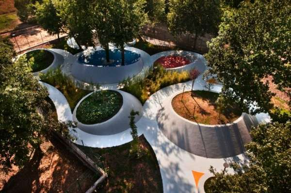 sensational garden by nabito architects