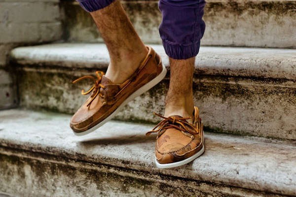 image wearing shoes sockless