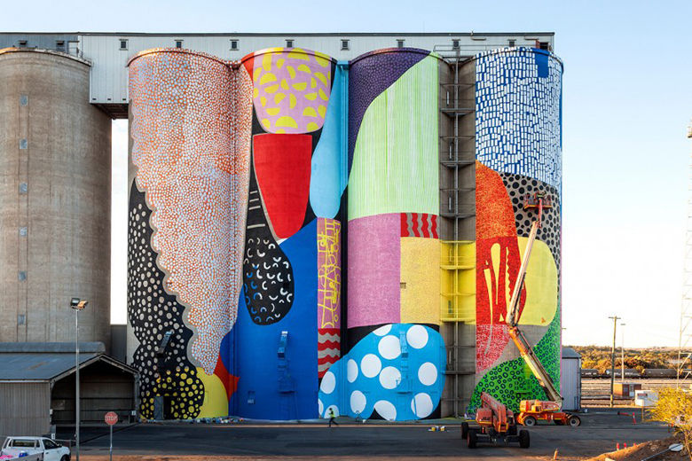 Abstract Silo Murals : Silo Mural