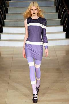 Single-Sleeve Fashion