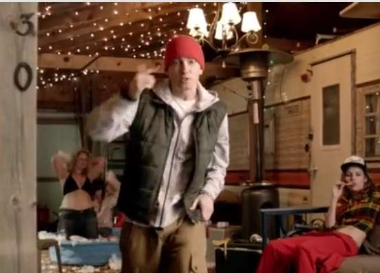 skylar grey and eminem relationship with his mother