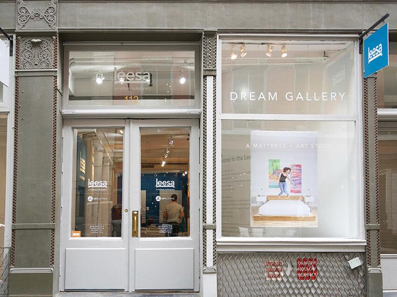 Dream-Promoting Mattress Showrooms