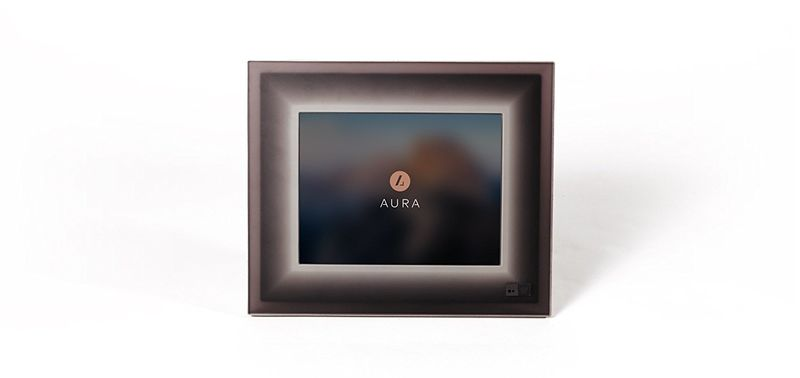 Smartphone-Connected Picture Frames