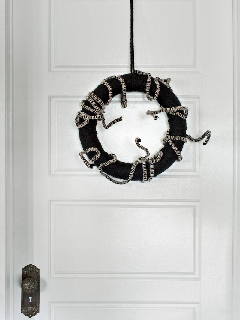 Stylish Serpent Wreaths