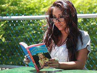 snooki is writing a novel