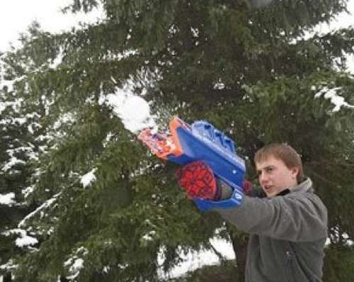 Snowball-Shooting Guns