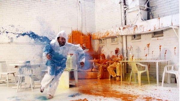 Color-Exploding Graffiti Videos