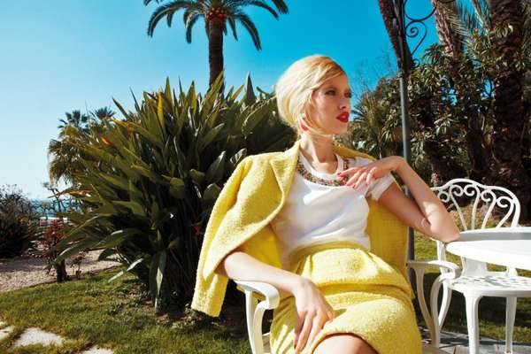 Sun-Drenched Retro Photoshoots