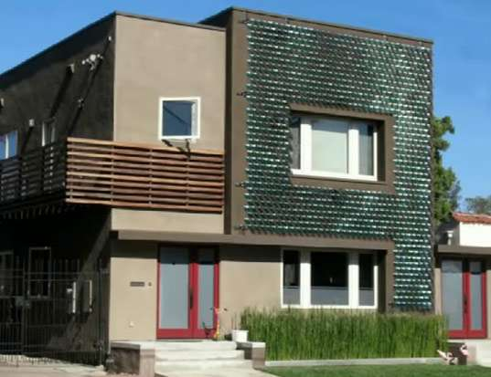 Innovative Solar & Wind Leaf Photovoltaic Shingles