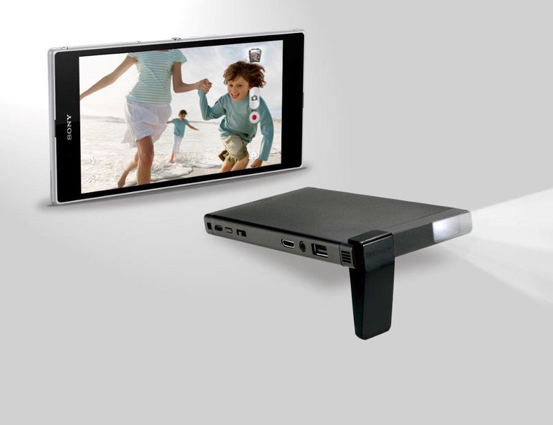 Pocket sized projectors sony hd for Pocket pico mobile projector