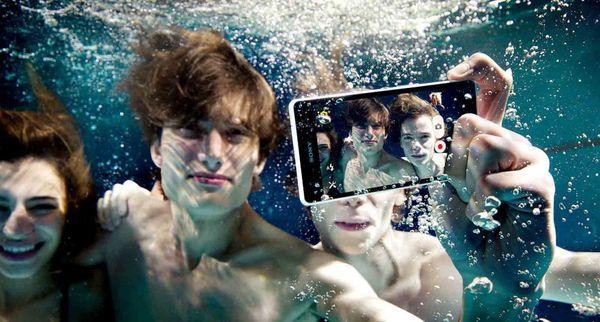 Fully Water-Resistant Smartphones