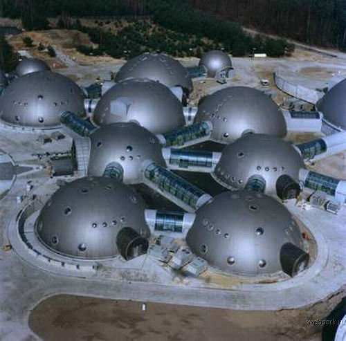 Space Colony Architecture