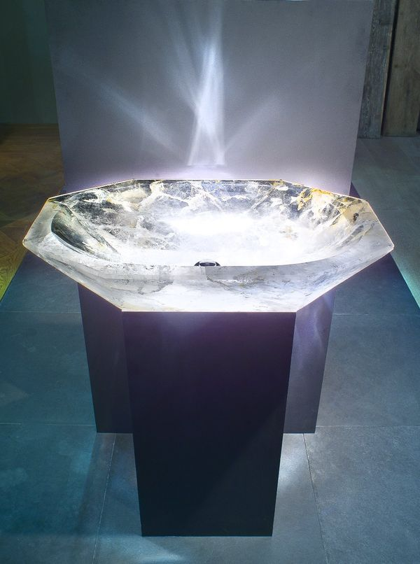 Brilliantly Luminous Wash Basins