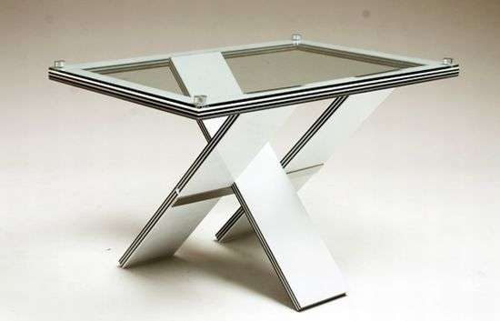Minimalistic Modular Tables