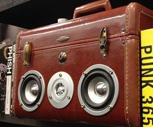 Retro Suitcase-Shaped Speakers : Suitcase Speakerbox