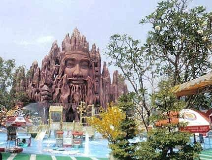 Buddhist-Themed Amusement Park